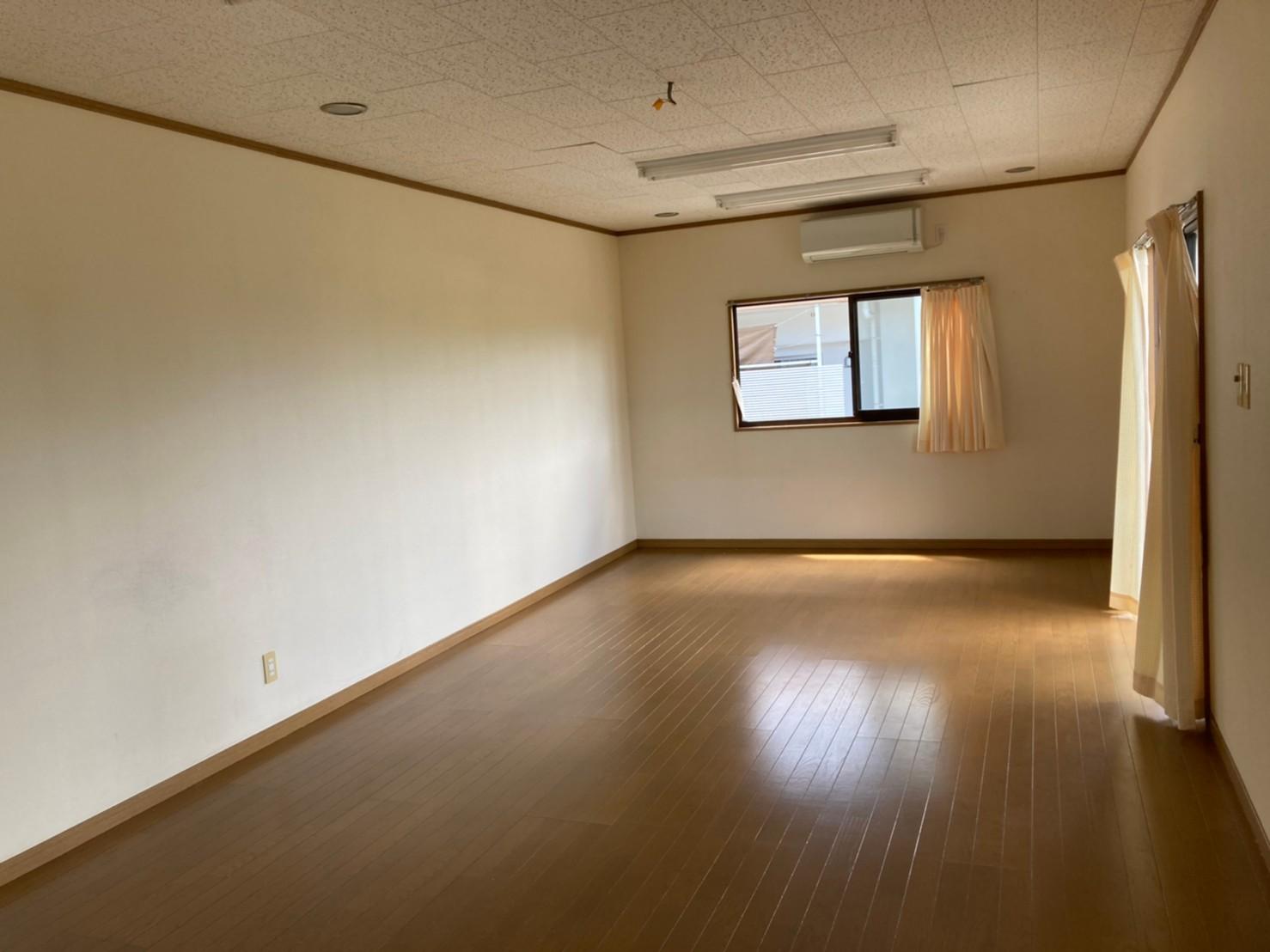 琉大東荘事務所(2F)